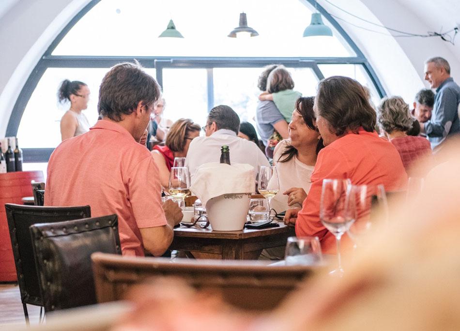Vinoteca-Restaurant-Weinhandel